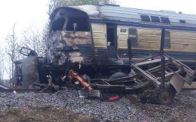 Аварія з пасажирським поїздом під Вінницею: з'явилися нові фото, відео та подробиці
