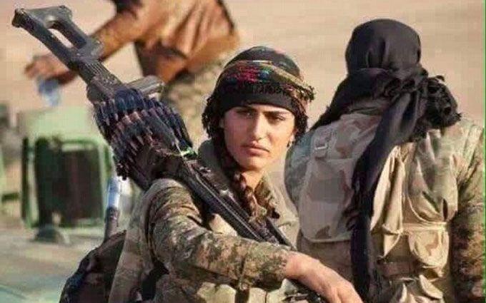 """У Сирії загинула знаменита дівчина-""""копія Анджеліни Джолі"""""""