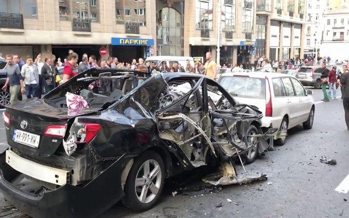 Підривача авто Махаурі на Бессарабці зафіксували відеокамери - ЗМІ