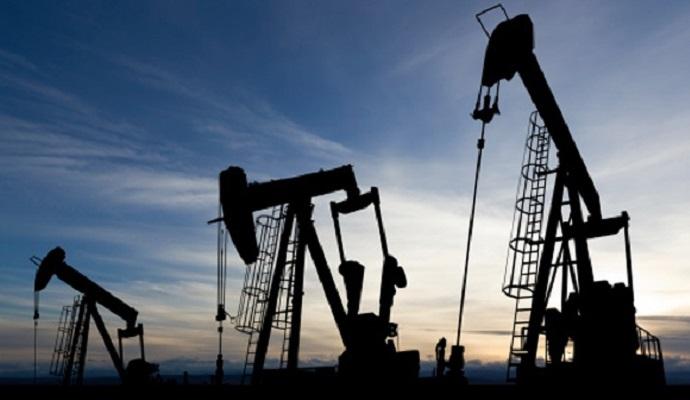 Цена на нефть побила рекорд 11-летнего минимума