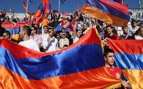 """У Вірменії оголосили """"оксамитову революцію"""""""