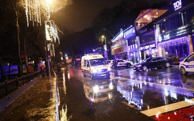 Размещено фото террориста, подозреваемого втеракте вночном клубе Стамбула