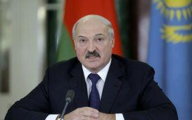 Лукашенко розраховує на допомогу Путіна з переозброєння білоруської армії
