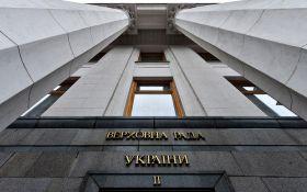 Порошенко внес в Раду исправленный закон о статусе Донбасса