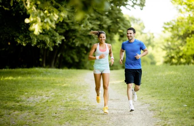 Дослідники розповіли, у якому віці заняття спортом продовжують життя (1)