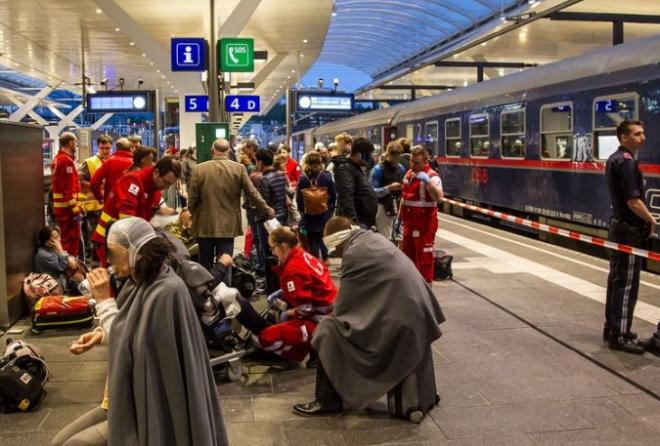 Десятки пострадавших в железнодорожной аварии на вокзале Зальцбурга: опубликованы фото (2)
