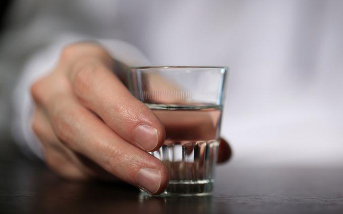 Гражданин Пензенской области скончался, выпив подряд антифриз, шампанское итуалетную воду