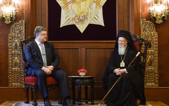Порошенко поговорил со вселенским патриархом о единой украинской церкви: появились фото и видео