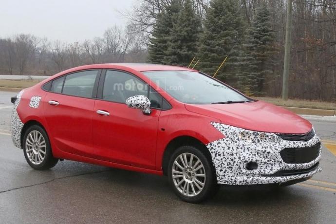 Компанія Chevrolet вивела на тести гібридний Cruze (5 фото) (2)