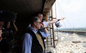 Волкер здійснить терміновий візит на Донбас: названа причина