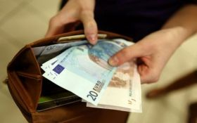 Країни ЄС встановили офіційний розмір мінімальної зарплати: названі цифри