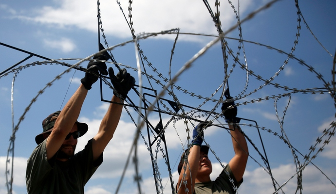 От наплыва мигрантов границы ЕС должен охранять альянс - президент Чехии