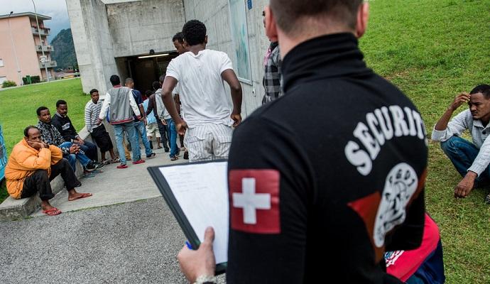 Швейцарія забиратиме фінансові активи біженців для покриття витрат на їх утримання