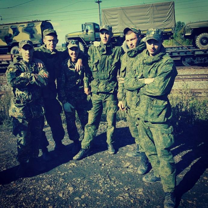 Путін підтягнув ще військових до кордонів України: з'явилося фото (1)