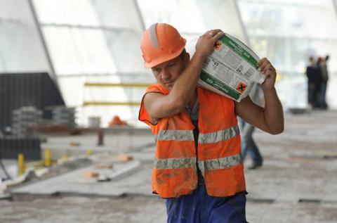Новый Трудовой кодекс продлевает рабочий день с 8 до 12 часов