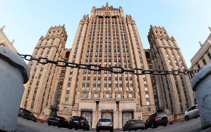 Россия жестко ответила Британии на высылку российских дипломатов