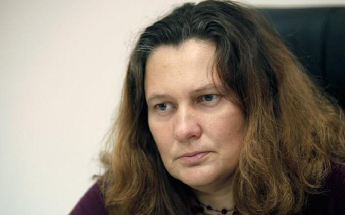Одіозного адвоката в Києві облили зеленкою: опубліковані фото