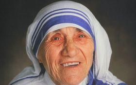 Ватикан канонизировал Мать Терезу: появились фото