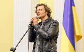 Це потрібно почути: знаменитий французький співак переспівав хіт Винника