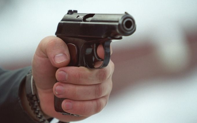 ВКиеве вкафе неизвестные ранили 2-х человек изогнестрельного оружия
