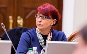 Не собираюсь уходить: как закончился резонансный скандал в партии Зеленского