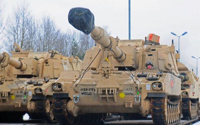 ДоПольщі прибуло більше тисячі американських танків тагаубиць