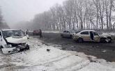 В Винницкой области произошло масштабное ДТП, много пострадавших: появились фото и видео