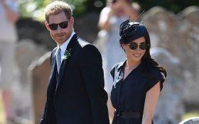 Мереживна білизна та зношені туфлі: Меган Маркл і принц Гаррі осоромилися на весіллі у друга