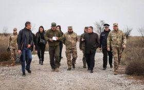 Мы их поддерживаем: глава МВД выступил с неожиданным заявлением по Донбассу