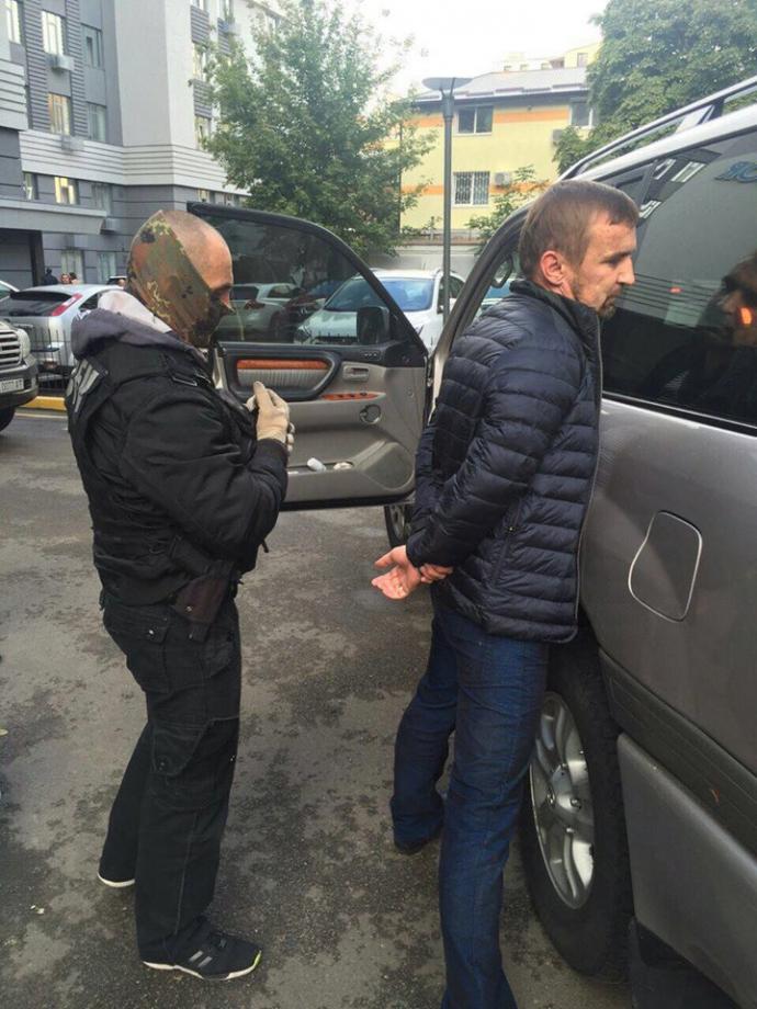 В Україні сталося нове гучне затримання: Луценко показав фото (1)