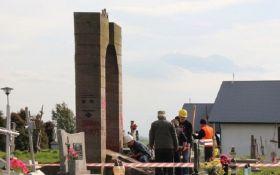 Польша готова восстановить снесенный мемориал воинам УПА после раскопок