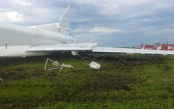 У Росії стався інцидент з бойовим літаком, є поранені: з'явилися фото