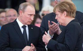 Путин рассказал Меркель о причинах выхода России из СЦКК
