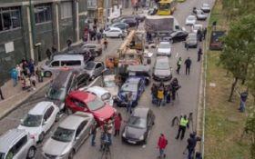 Масштабна ДТП в Києві - опубліковано шокуюче відео з дрону