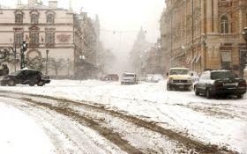 Непогода в Украине: спасатели объяснили, как не травмироваться
