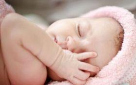 В Запорожье родители хотели продать новорожденного ребенка за 7 тыс. долларов