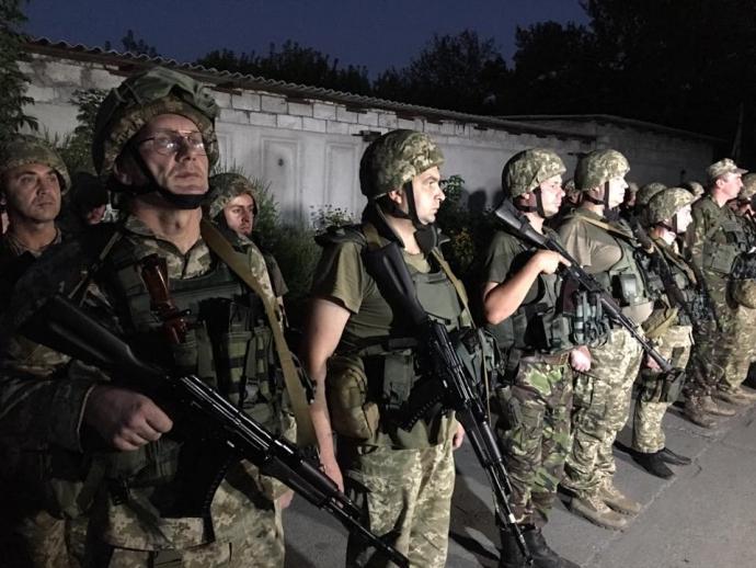 Прощання з бригадою: в мережі з'явилися пронизливі фото з зони АТО (1)