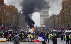 Россию заподозрили в организации протестов во Франции: фотодоказательство