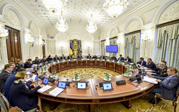 """Порошенко висловився про акцію """"Азова"""" і сказав, як буде повертати Донбас"""