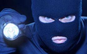 На Закарпатье разбойники ограбили украинца на 16 миллионов