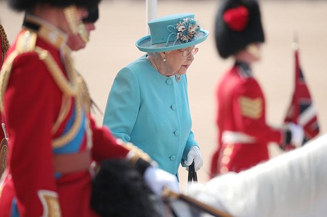 Королева Великобритании Елизавета II празднует второй день рождения: опубликованы яркие фото (1)