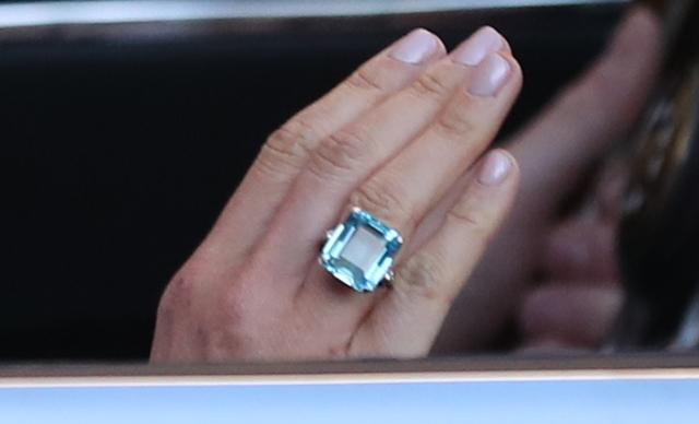 Королівське весілля: стало відомо, що принц Гаррі подарував Меган Маркл (3)