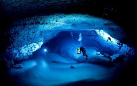 У Мексиці знайшли затоплену печеру з реліквіями майя: з'явилося відео