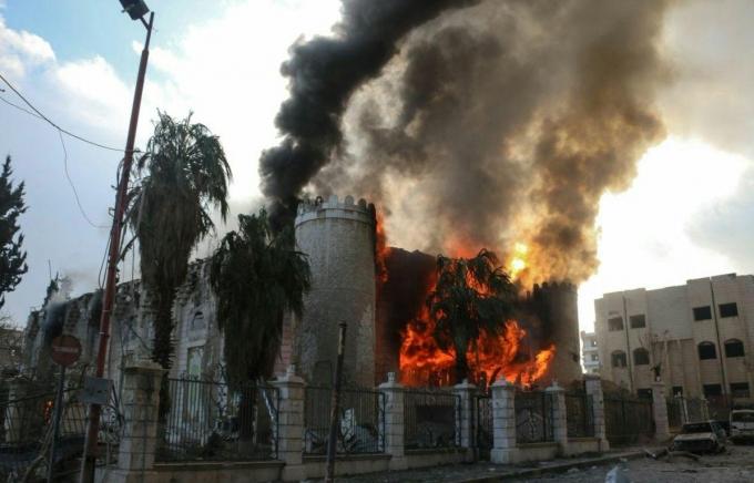 Россия атаковала мирных жителей Сирии фосфорными бомбами: опубликованы фото и видео (1)