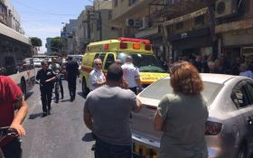 В Тель-Авиве авто въехало в толпу людей за считанные минуты до прибытия Трампа в страну: опубликованы фото
