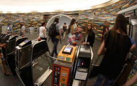 Киевский метрополитен планирует заменить жетоны на одноразовые билеты с QR-кодом