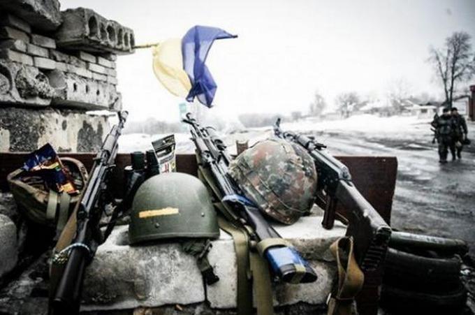 Ситуация на Донбассе обостряется: среди бойцов АТО есть раненые