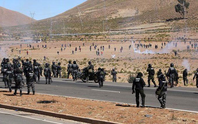 Учасники акцій протесту в Болівії вбили заступника міністра: опубліковано відео