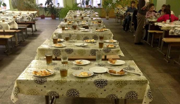 В одной из киевских школ детей кормили объедками