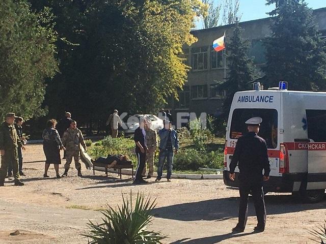 В колледже в оккупированной Керчи прогремел взрыв, десятки погибших и пострадавших: первые жуткие фото (4)